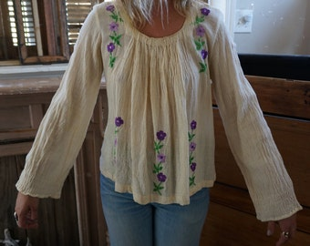 70's creme and embroidered purple flower sheer cotton linen boho bell sleeve blouse small
