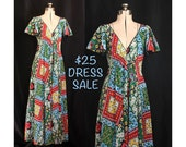 SALE! Vintage 70s Goddess of the Daisies and Posies Bohemian Dreams Maxi Dress