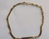 14K yellow gold 7 inch Italian Chain Bracelet, lovely vintage, 2mm wide and 1.4 grams, free US first class shipping