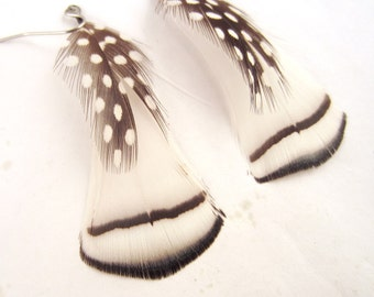 Natural Feather Earrings white with a touch of polka dots