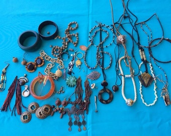 Vintage Jewelry Lot, Necklaces, Bracelets & Parts, Wear, Repair, Repurpose Crafts Old and Newer Boho, Ethnic