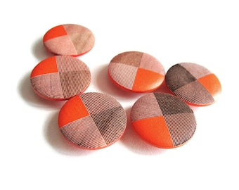 Coral shank wooden buttons 20mm - set of 6 wood buttons (BB100D)