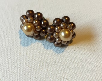 Beaded Cluster Earrings, Vintage Clip On Earrings, Faux Pearl and Beads in Cream and Bronze Gold, Ladies Vintage Jewelry