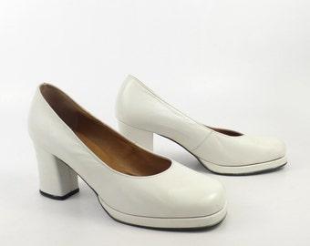 Vintage 1960s White Heels Creation Adria Platform Shoes 4 Women's size 5 1/2 6