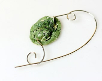 Frog on Lily Pad Shawl Pin, Scarf Pin, Jewelry Brooch - Scarf Accessory, Gift for Knitters, Gift for Frog Lovers, Animal Pin, Frog Brooch