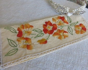 French Vintage Linen Napkin Holder / Fine Linen Fabric / Hand Embroidered Flowers / Handmade Lace Trimming / Country Cottage Chic