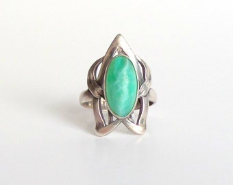 Art Nouveau Sterling Ring. Peking Glass. Large Cocktail Statement Ring. Biomorphic.