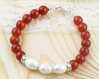Inspiraton and purity bracelet - carnelian, and freshwater pearls