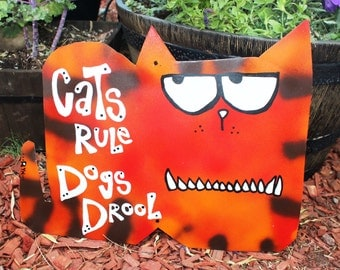 Cats vs. Dogs: Cats Win with this Metal Yard Art