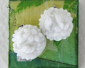 Vintage Glass Cabochon White Flower Carved Effect Round Japan 11mm gcb1141 (4)