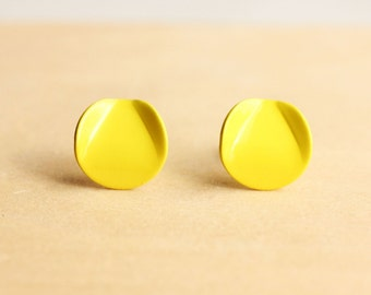 Yellow Vintage Wave Studs