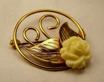 1960's Vintage Gold, White Ivory Flower and Leaf Circle Brooch, Round Pin, Estate Bridal Wedding Jewelry, Retro Jewelry