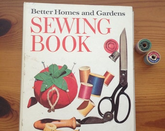 vintage Better Homes and Gardens sewing book 1970