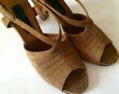 Vintage Shoes Women's 70's Heels, Tan, Suede, Sling Backs by Hill and Dale (Size 7)