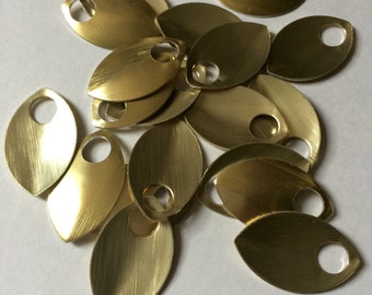 100 Gold Large Anodized Aluminum Scales for Scalemaille and Chainmaille