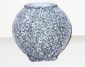 1950s KENWOOD SHAWNEE CONFETTI Round Vase  Black and WhiteMid Century Pottery