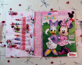 MINNIE MOUSE Take Everywhere Coloring Book