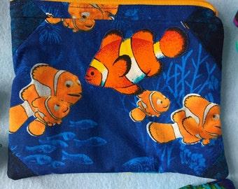 Finding Nemo Clownfish Fish Tank Clutch Zipper Pouch Summer Tropical Vacation Cosmetic Bag