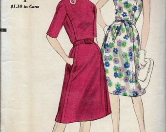 1960's Vogue No. 5645 : A-Line Dress Sleeveless or Sleeves with Oval Neckline  Bust 32