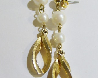 vintage long drop and dangle white beads, gold tone chain and gold tone hoop loop pierced earrings 14IN