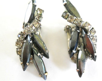 Vintage Rhinestone Earrings • Cliip On Earrings • Black White and Silver