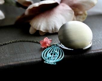 Round locket, gold locket necklace, flower locket, birdcage necklace, birdcage jewelry, locket with flower - Miranda