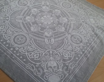 Skull and Keybones - Grey and White