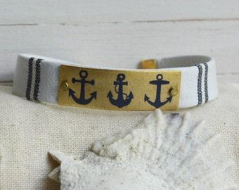 Women's Preppy Leather Bracelet - Navy Anchors