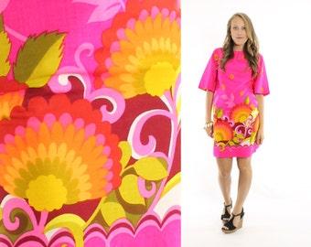 Vintage 60s Malihini Mini Dress Abstract Hawaiian Bright Pink Dress Op Art Mini Dress Floral 1960s Spring Summer Fashion Medium M