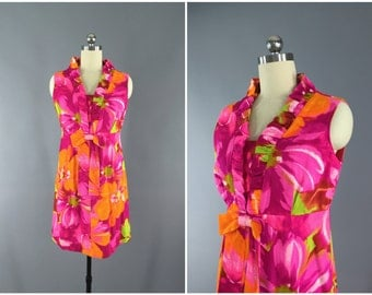 Vintage 1960s Dress / 60s Hawaiian Dress / 1960 McInerney Hawaii Mid-Century / Pink Floral Print Barkcloth