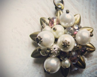 Art i Cake Large Crystal and Pearl Cluster Pendant