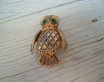 Vintage Owl Brooch ,Vanda USA jewelry,green rhinestone eyes,Perfume Compact,Vintage Locket,Solid Perfume Locket,Woodland Owl Jewelry