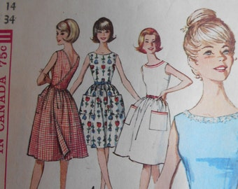 Simplicity 5460 Classic fitted bodice with full skirt. Wrap dress. Miss size 14, bust 34