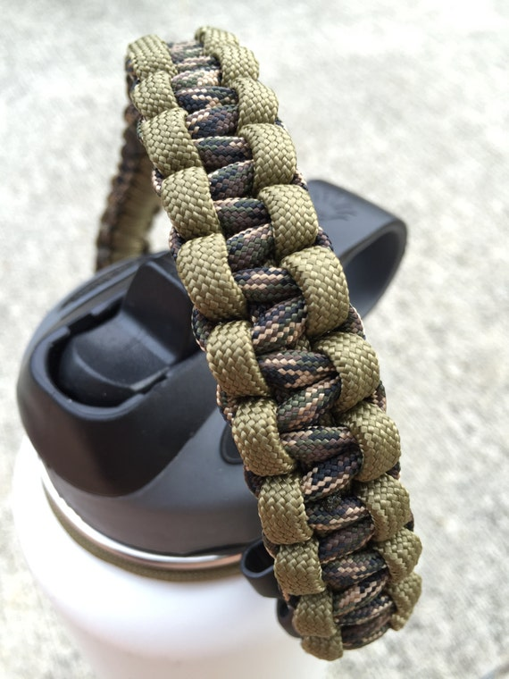 Paracord handle for hydro flask bottle by pineapplecovedesigns