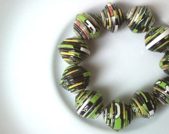 13 paper beads - black, green  -