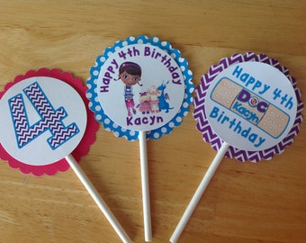 10 Doc McStuffins cupcake toppers