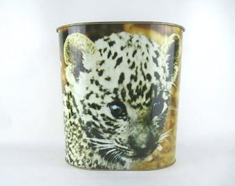 baby CHEETAH Trash Can - 1970s Big Cat Metal Waste Basket - jungle kitten, cub - Ballonoff Rubage Bin