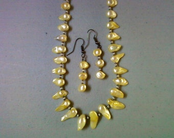 Light Yellow Blister Pearl Necklace and Earrings (0384)