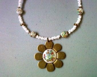 White Millifiori Flower Necklace (0491)