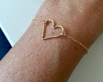 14k gold filled heart bracelet/ Hammered Heart bracelet/ bridesmaid gift / 14k gold filled hammered heart/ bride/ wedding
