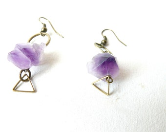 Amethyst purple round and triangle earrings ice queen ( brass antiqued, snow ) 02