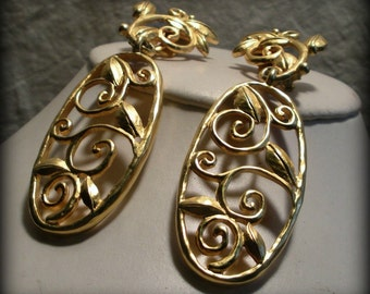 Swirly Golden Vine Clip-On Earrings