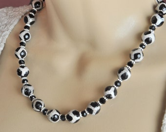 Leopard Agate and Black Crystal Necklace and Earring Set