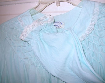 Pastel Blue Vintage 50s Women Bed Robe by MaMary
