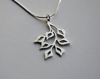 Leafy Pendant small, silver
