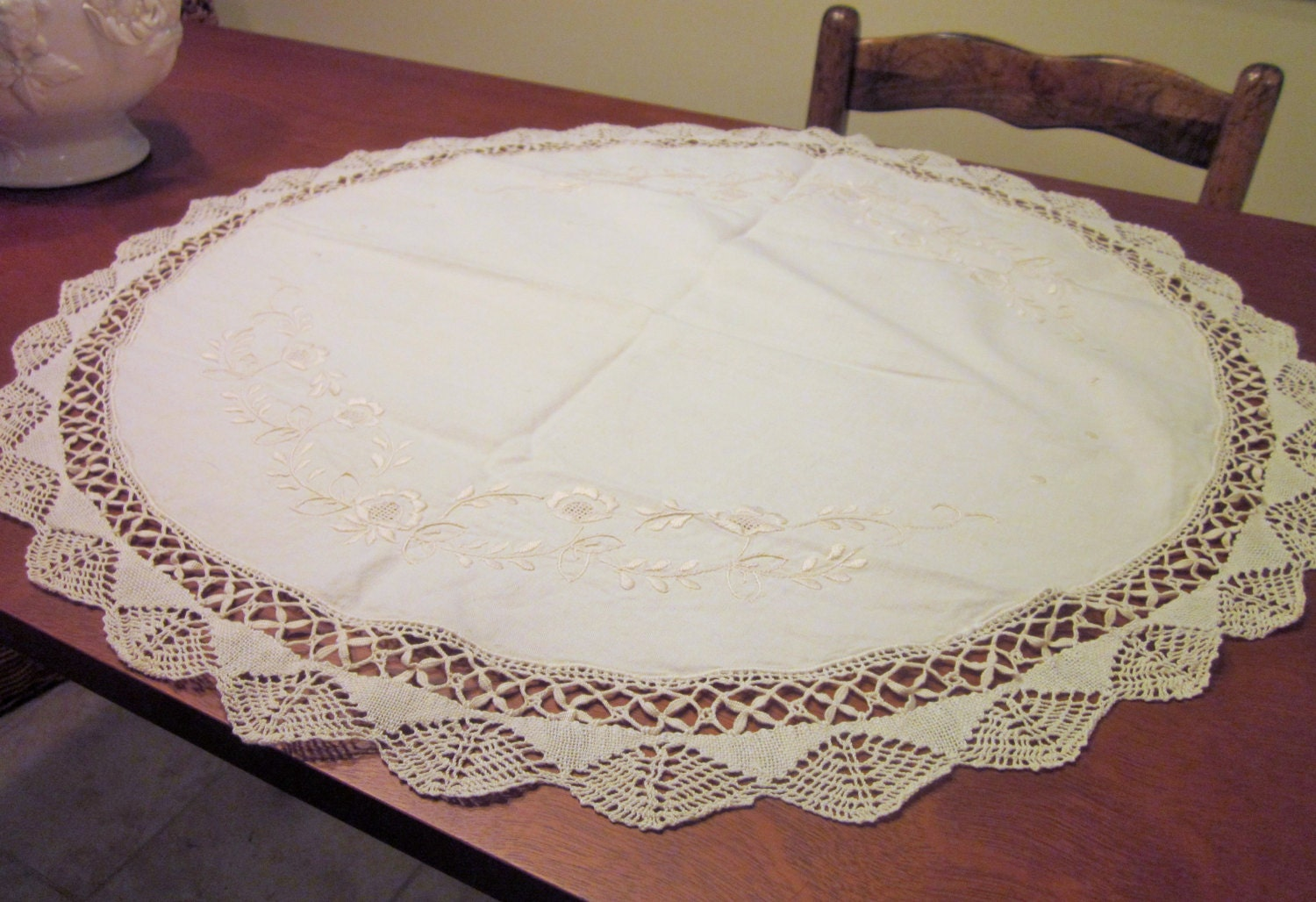 Vintage round table scarf doily off white by for Off white round table