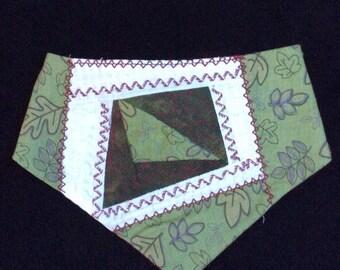 QK3-1245 M Green leaf Quilt-Kerchief