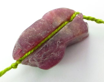 TOURMALINE. Natural. Rough. Raw and Edgy. GROoVed. WiRe WRaP. 1 pc. 54.06 cts. 15x31x13 mm  (TM1053)