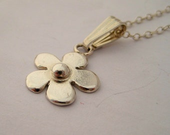 Simple Daisy Pendant in sterling silver.  Perfect Gift. Mary Quant 60's inspired vintage style, matching earrings available