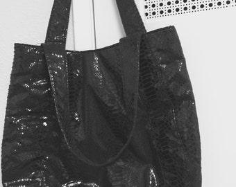 Purse large black shoulder strap with snap faux snakeskin